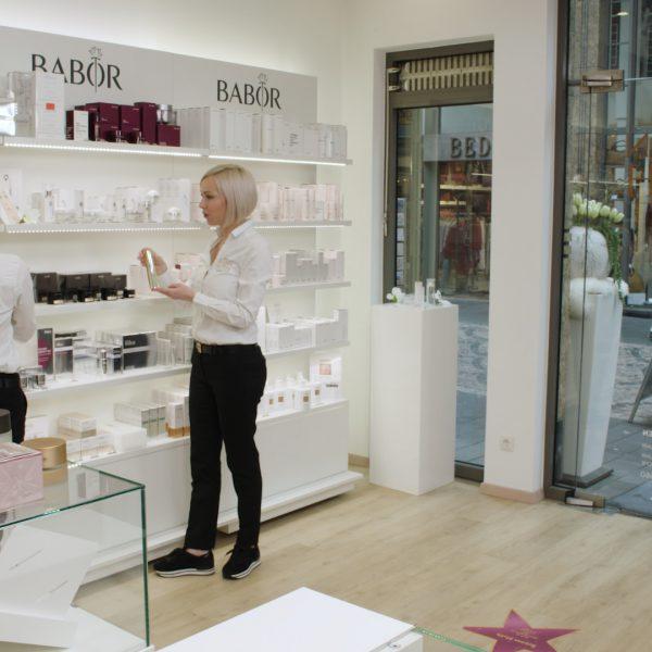 Kosmetik- & Pflege-Produkte bestellen – Beratung inklusive!